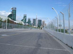 Toronto: Pre-race track walk