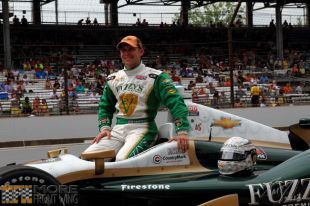 A helping hand could mean a championship for Ed Carpenter