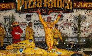 Hunter-Reay steals victory at Iowa Speedway